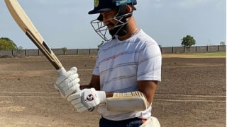 Cheteshwar pujara jaydev unadkat practices in net with saurashtra players 4065303