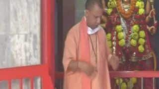 Yogi Adityanath Offers Prayers at Gorakhnath Temple as Religious Places Reopen After Over 2 Months
