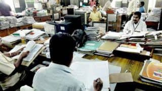 Fact Check: Report Claims Centre Is Planning to Sack 5 Lakh Government Employees, PIB Says It's Fake