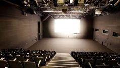 Cinema Halls Re-open: देश में सिनेमाघर खुलेंगे, स्विमिंग पूल, इंटरटेनमेंट पार्क भी खोलने की इजाज़त, ये है गाइडलाइन