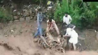 Video: जम्मू-कश्मीर में बादल फटा, तेज पानी में बह गए वाहन, कई घर क्षतिग्रस्त