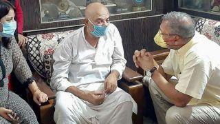 Nana Patekar Visits Sushant Singh Rajput's Family in Patna - Watch Viral Video