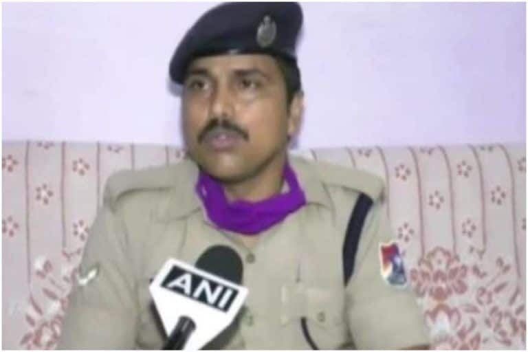 Watch | RPF Jawan Runs After Train to Deliver Milk Packet For a 4-Month-Old Baby, Wins Piyush Goyal's Praise