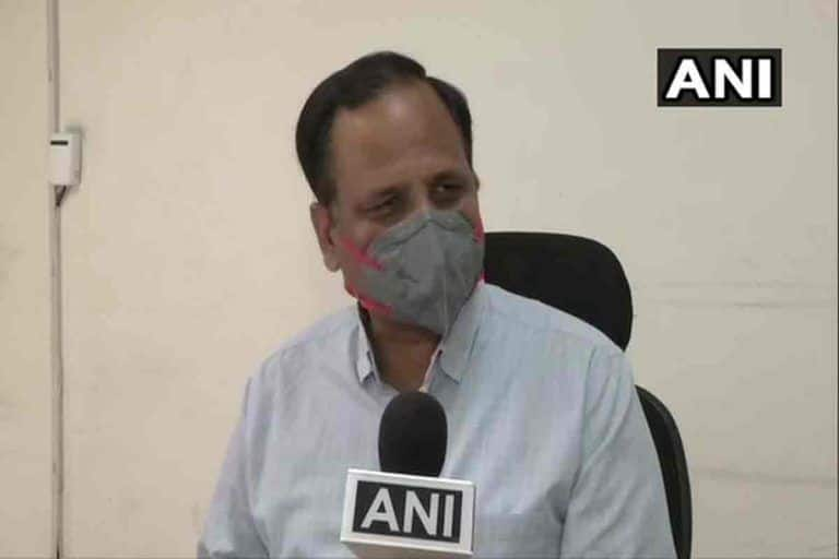 'If Even Lakhs of Cases Aren't Considered to be Community Spread, When Will it be?' Asks Delhi Health Minister