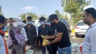 Indian bowler mohammad shami distributes food and water to migrants 4046828