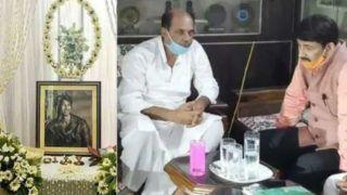 Manoj Tiwari Attends Sushant Singh Rajput's Prayer Meet, Demands CBI to Probe Into The Case