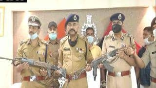 Kanpur Encounter: विकास दुबे के घर में मिली लूटी गई AK-47, गुर्गा इंसास राइफल के साथ अरेस्ट