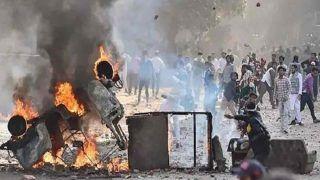 दिल्ली दंगा: पुलिस चार्जशीट में येचुरी, योगेंद्र यादव के नाम सह-षडयंत्रकर्ता के रूप में दर्ज, प्रदर्शनकारियों को भड़काने का आरोप