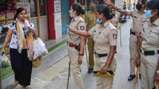 UP Police Makes Violators Write    Mask Lagana Hai    500 Times As Punishment If Caught Without One