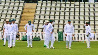 'दस खिलाड़ियों के कोरोना पॉजिटिव होने पर इंग्लैंड दौरे पर जाने का फैसला लेना मुश्किल था'