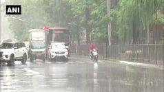 Mumbai Rain LIVE Updates: मुंबई में भीषण बारिश, लोकल ट्रेन सेवा ठप, हर तरफ भरा पानी