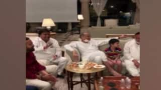 Watch | Gehlot Camp MLAs Play 'Antakshari', Watch 'Sholay' & 'Mughal-e-Azam' at Jaipur Hotel