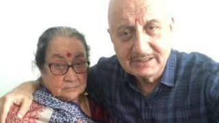 Anupam Kher's Mother Gets Discharged After COVID-19 Treatment, Actor Posts an Emotional Video Thanking Fans For Their Prayers