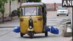 कोरोना गाइडलाइंस की धज्जियां उड़ी, शव को दफनाने के लिए ऑटो रिक्शा में ले गए