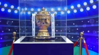 IPL 2020 : आईपीएल मैचों के दौरान स्टेडियम में दर्शकों को बुलाना चाहता है एमिरेट्स क्रिकेट बोर्ड, सरकार की मंजूरी का इंतजार