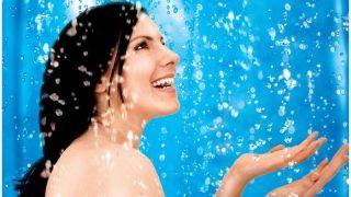 Monsoon Rain Bath Benefits: बारिश के पानी में नहाएं जमकर, बालों और स्किन के लिए होता है फायदेमंद