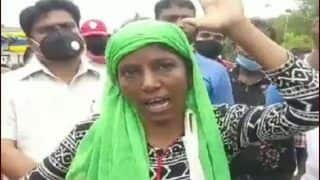 Viral Video: Vegetable Seller in Indore Makes Jaws Drop While Protesting Against Municipal Authorities in Fluent English, Holds PhD Degree