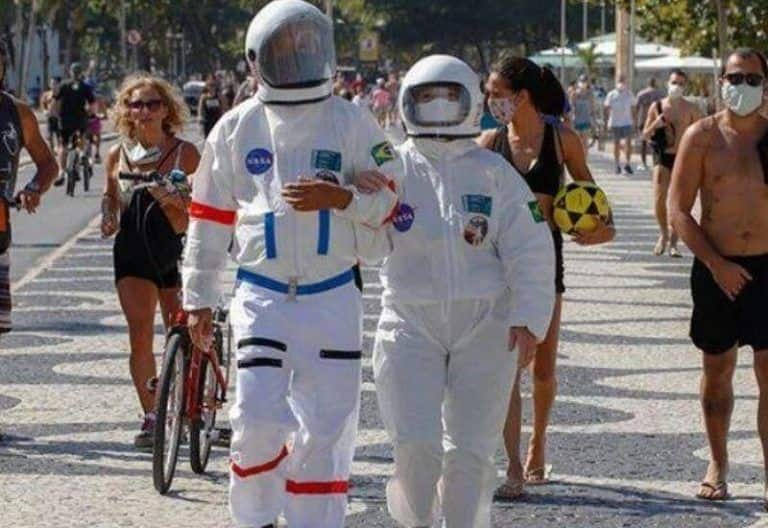 Brazilian Couple Spotted Wearing 'Spacesuits' to Fight COVID-19, Pictures Go Viral | Watch