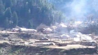 LoC पार लॉन्चपैड्स में 250-300 आतंकवादी कश्मीर में घुसपैठ के लिए तैयार बैठे हैं: आर्मी