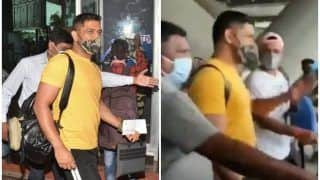 WATCH | Dhoni Arrives in Chennai Along With CSK Teammates