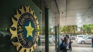 IPL 2020: बीसीसीआई का दावा, यूएई में आईपीएल कराने की 'सैद्धांतिक' मंजूरी मिली