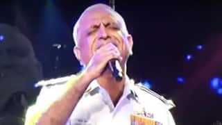 Fact Check: Officer Singing 'Ghar Se Nikalte Hi' in This Viral Video is Not Late Captain Deepak Sathe