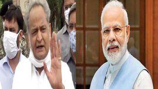 हमें लोकतंत्र की परवाह है इसलिए राजस्थान में हो रहे 'तमाशे' को बंद करवाएं पीएम मोदी: गहलोत