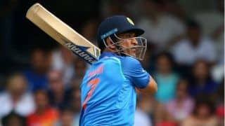 Fans urge bcci to retire dhonis number seven jersey 4113071