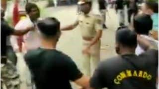 VIDEO: महाराष्ट्र में ABVP कार्यकर्ताओं ने मंत्री के काफिले को रोका, पुलिस ने दौड़ा-दौड़ा कर पीटा