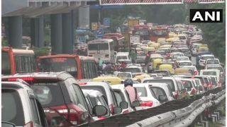 Traffic Alert Today 3 December 2020 Live: नोएडा लिंक रोड बंद, हरियाण से लगे बॉर्डर भी Closed, यूपी गेट पर ऐसा है हाल