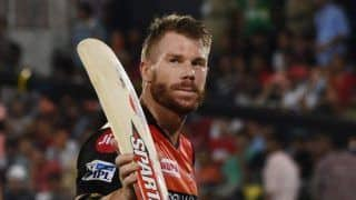 Warner to Surpass Sangakkara's IPL RECORD