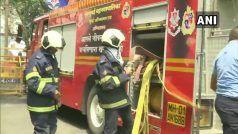 NCB की बिल्डिंग में लगी आग, आग बुझाने की कोशिश में जुटे दमकल कर्मचारी