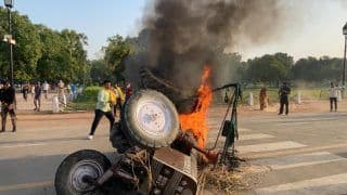 Tractor Set on Fire at India Gate in Delhi Amid Protests Against Farm Bills, 5 Persons From Punjab Detained