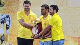 MI vs CSK Dream11 IPL 2020: MS Dhoni Gets Golden Cap, Ravindra Jadeja a Sword in CSK's Special Award Ceremony