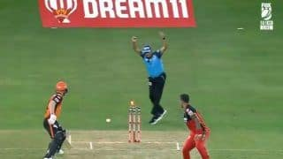 Dream11 IPL 2020: David Warner Run Out in The Unluckiest Way Ever