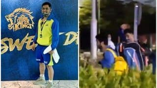IPL 2020: MS Dhoni Fans Ecstatic on Seeing CSK Skipper After Training in UAE | WATCH