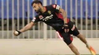IPL 2020: Virat Kohli Takes a Stunning One-handed Catch During RCB's Net Session in UAE | WATCH