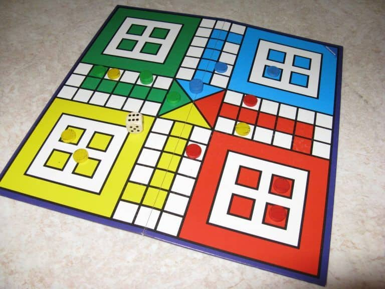 MP Woman Goes to Family Court After Father Defeats Her in Ludo, Says She Lost Respect For Him