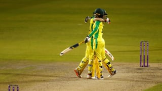 Eng vs aus 3rd odi glenn maxwell alex careys centuries help australia beat england to seal the series by 2 1 4143519