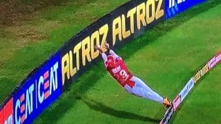 IPL 2020, KXIP vs RR: Nicholas Pooran Leaves Cricket World Stunned With His Unreal Fielding Effort | WATCH VIDEO