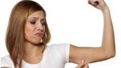 Tips: हैवी आर्म्स की वजह से स्लीवलेस कपड़े पहनने में आती है शर्म तो आजमाएं ये उपाय