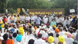 AAP's Punjab Unit Stages Protest Against New Farm Laws in Delhi, Arvind Kejriwal Joins in