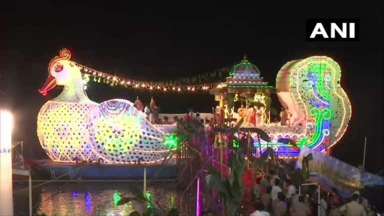 Idols of Goddess Kanaka Durga, Lord Malleswara Taken For Boat Ride in Vijayawada