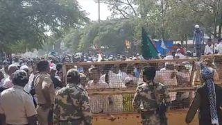 Video: ईद ए मिलादुन्नबी के जुलूस में उड़ीं कोरोना गाइड लाइंस की धज्जियां, 10 की जगह पहुंचे सैकड़ों लोग