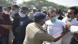 Rahul, Priyanka Detained by Police While on Way to Hathras to Meet Gangrape Victim's Family