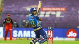IPL 2020 Match Report: Suryakumar Yadav, Jasprit Bumrah Shine as Mumbai Indians Beat Royal Challengers Bangalore by 5 Wickets to Take Step Forward Towards Playoffs