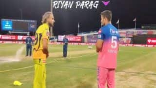 Video imran tahir teaches spinner to riyan parag before the match 4183766