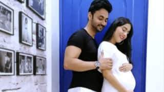 Baby Coming Soon! 9 Months Pregnant Amrita Rao Shares Photo of Her Baby Bump With Husband RJ Anmol