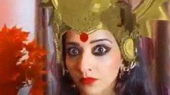 दुर्गा अवतार लिए गुस्से में नज़र आईं मोनालिसा को यूजर्स ने किया ट्रोल, बोले-  भूल गई कि तुम 'डायन' हो