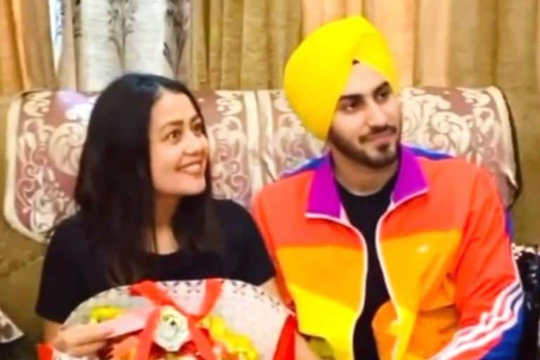 When Neha Kakkar Met Rohanpreet Singh's Parents For The First Time - Watch Viral Video